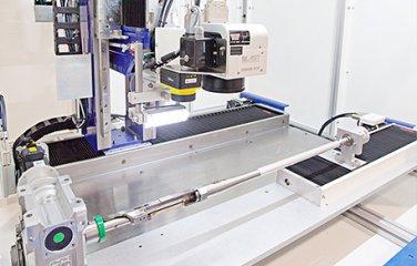 laserove-znacenie-os-w-motorizovany-konik